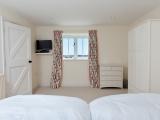 Clayhanger Lodge Twin Bedroom