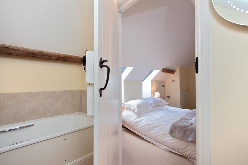 The Cow Byre Upstairs Ensuite Bedroom