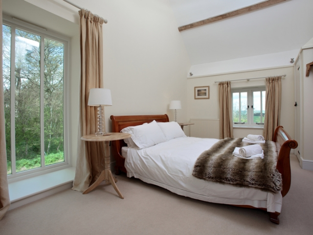The Stables Upstairs Kingsized Ensuite Bedroom