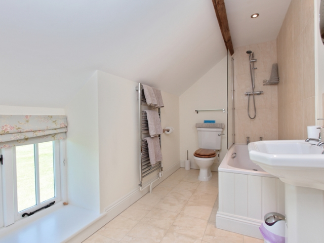 Clayhanger Lodge Upstairs Ensuite